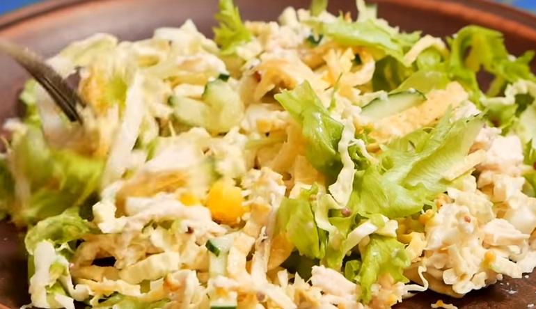 ТОП-3: легкие салаты, которые можно приготовить на вечер