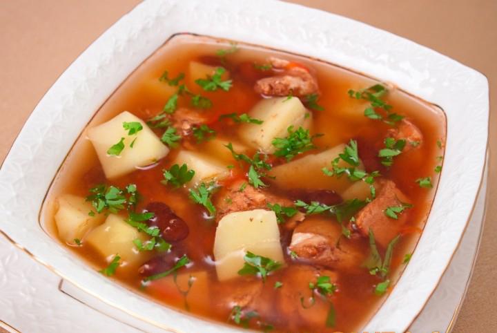 Невероятно вкусный суп с индейкой и фасолью