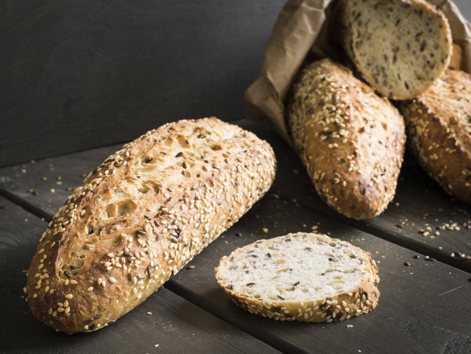 Вкусный и полезный хлеб из овсяной муки с семенами льна и кунжутом