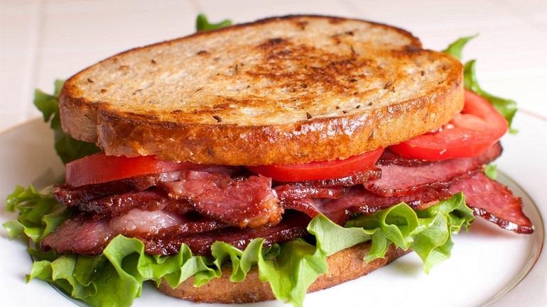 Превосходные домашние сэндвичи: фастфуд у вас дома