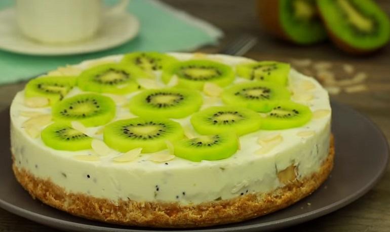 Потрясающий торт с бананами и киви – без выпечки