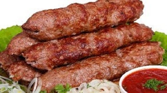 Сочный люля-кебаб: классический рецепт в славянском варианте