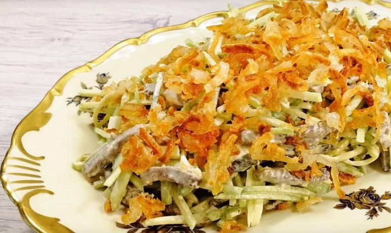 Шикарный хрустящий салат: сочная закуска для любого стола
