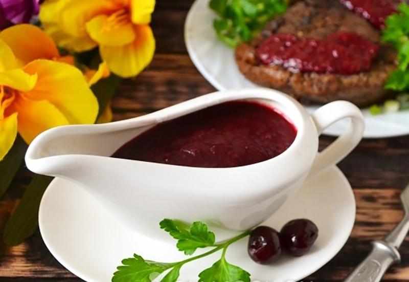 Бесподобный вишневый соус к мясу