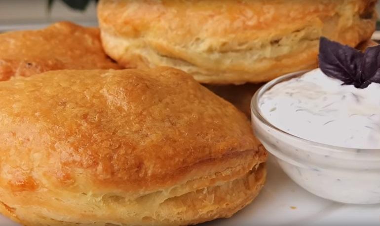 Хрустящие пирожки с мясом: и соус в придачу