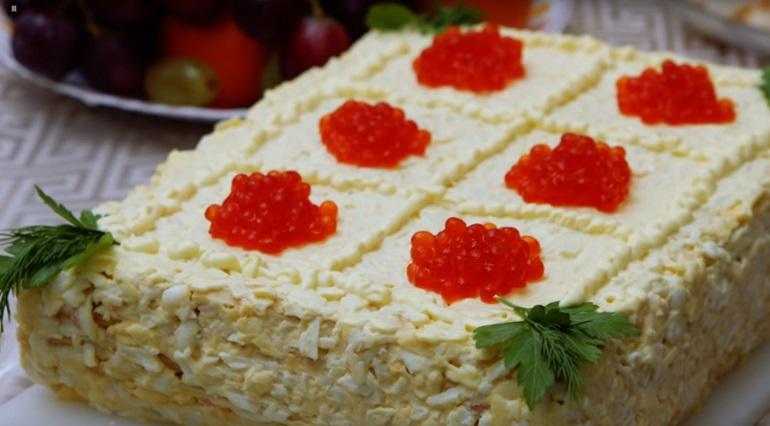 Закусочный торт «Наполеон»: отличное праздничное блюдо