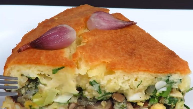Заливной луковый пирог на кефире: самый простой и очень вкусный рецепт