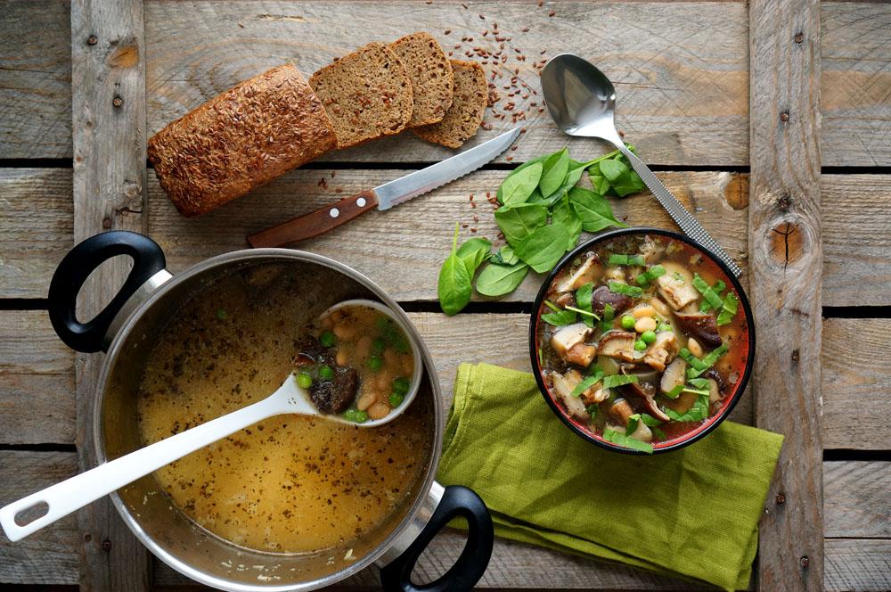 Грибной суп с фасолью: вкусно и просто