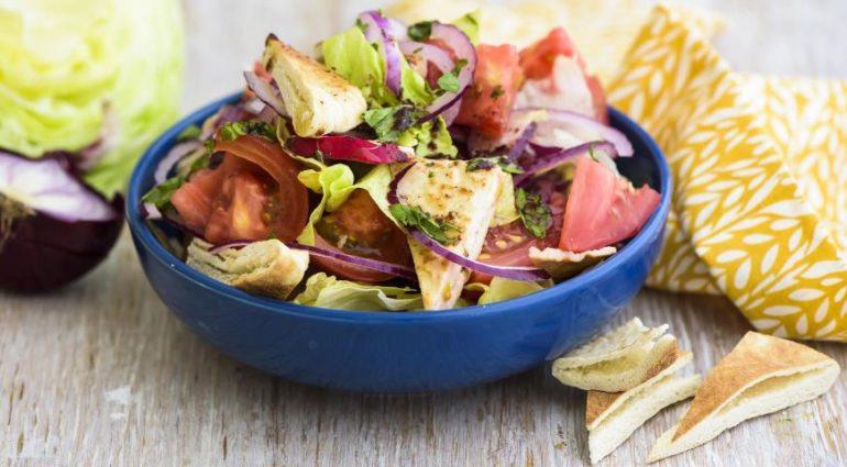 Очень вкусный салат «Фатуш»: с уникальной заправкой