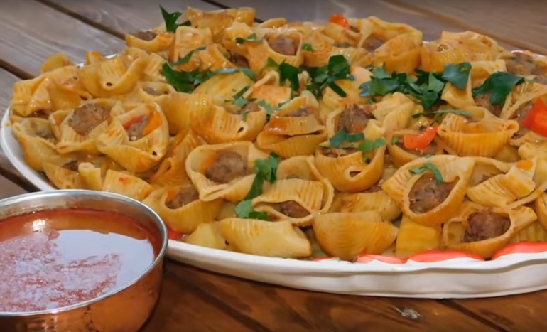 Фаршированные макароны с овощами и картошкой: блюдо на обед