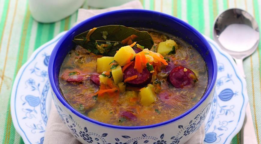 Вкуснейший гороховый суп с копченой колбасой