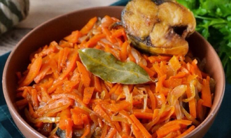 Обалденная скумбрия под маринадом из моркови и лука