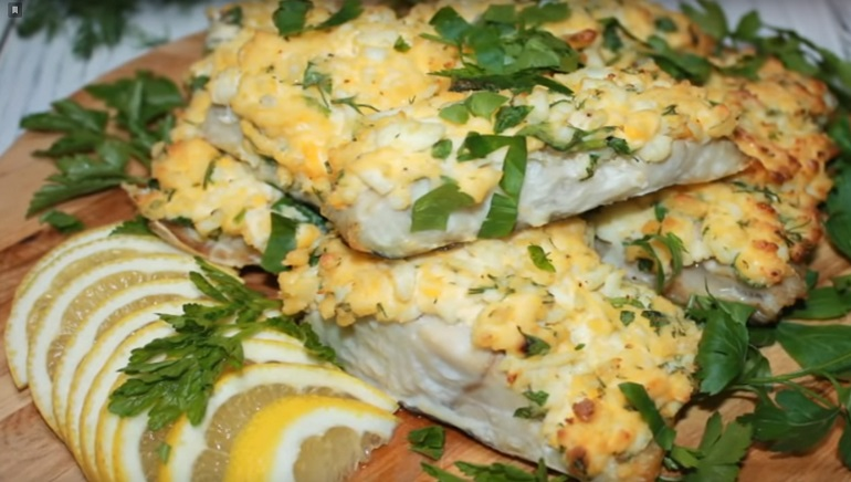 Изумительная рыбка под «шубой»: нежное и сочное блюдо