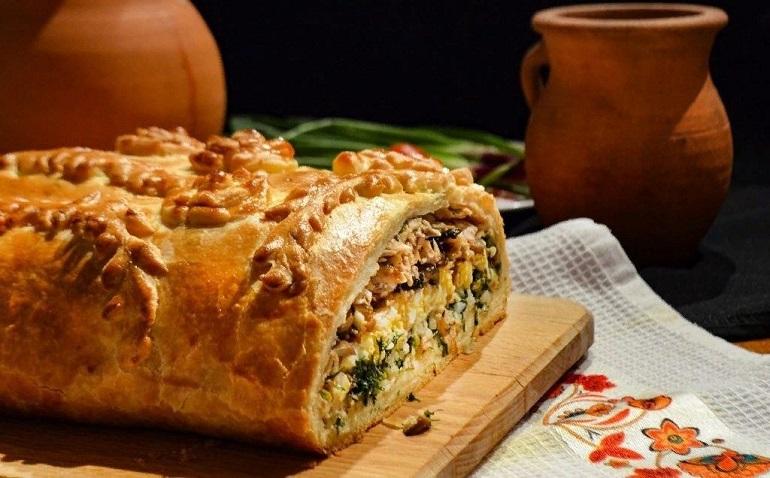 Кулебяка с мясом: очень вкусный пирог с тремя видами начинки