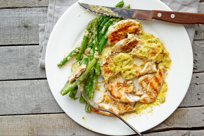 Курица в горчичном соусе со спаржей: идеальное блюдо к обеду
