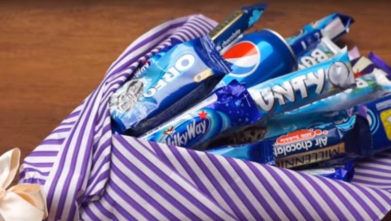 Необычный сладкий букет: подарите сыну на 23 февраля