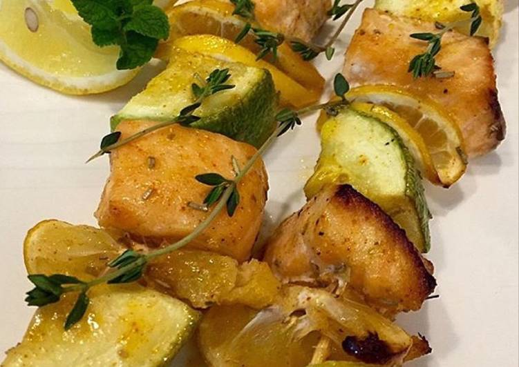 Очень вкусный шашлык из лосося с овощами
