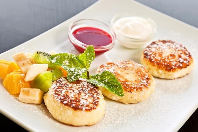 Пышные сырники: самый простой рецепт для начинающих кулинаров