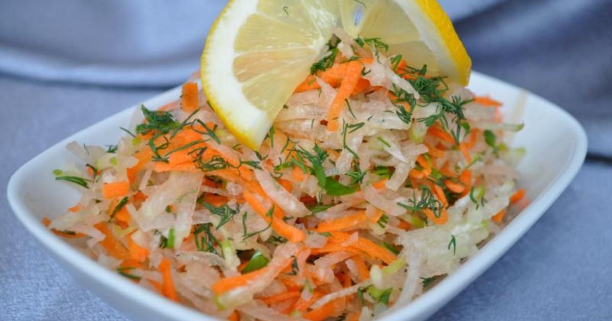 Салат из зеленой редьки с морковью (постное блюдо)