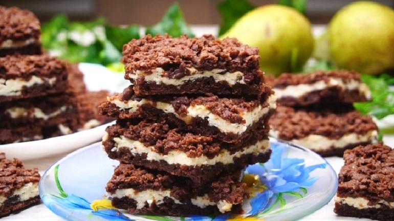 Шоколадное печенье с крошкой: порадуйте семью вкусным десертом