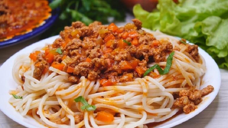 Подлива к любому гарниру: соус «Болоньезе»  по новому рецепту