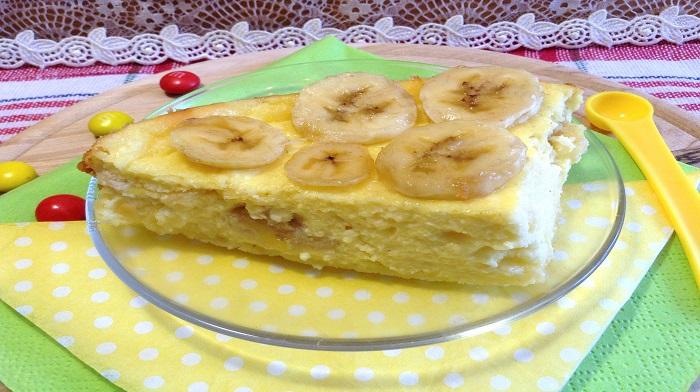 Творожная запеканка с бананами на пару