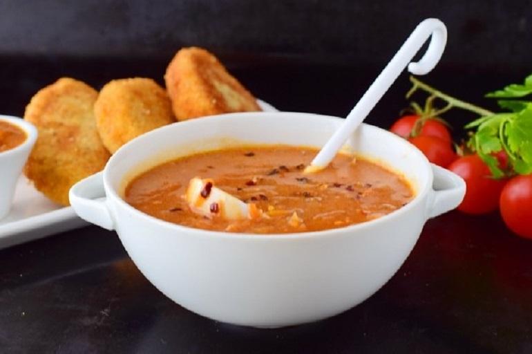 Универсальный красный соус: к мясным блюдам и гарнирам