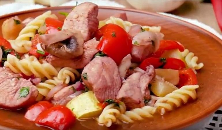 Винное рагу с макаронами: один из интересных рецептов