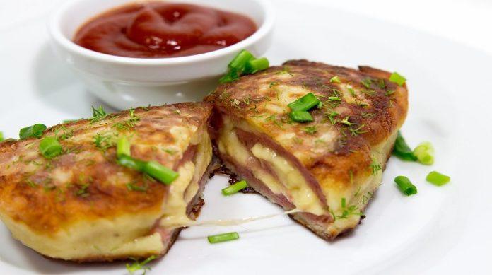 Великолепные картофельные рулеты с мясом и сыром