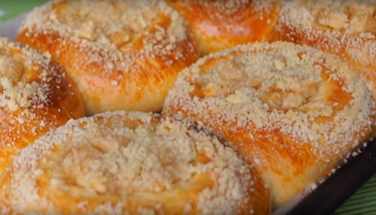 Аппетитные ватрушки с яблоками: выпечка, которая сводит с ума