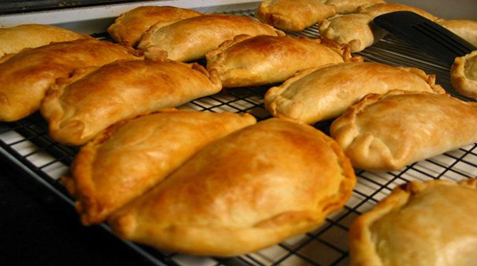 Простые пирожки с мясом: выпечка на скорую руку