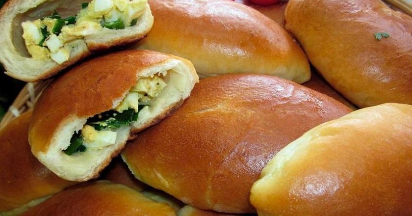Аппетитные пирожки с творогом и зеленью