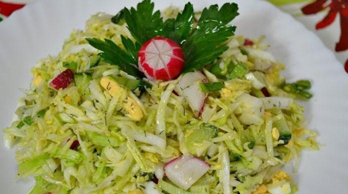Вкусный весенний салат из капусты: радуемся солнышку