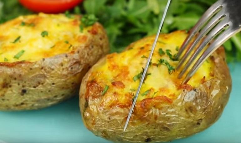 Картофельные корзиночки с ветчиной и сыром: красиво и вкусно