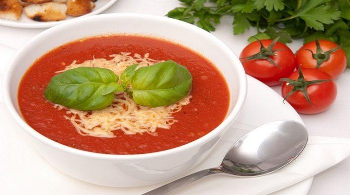 Турецкий суп с томатом и сыром: скоро лето!