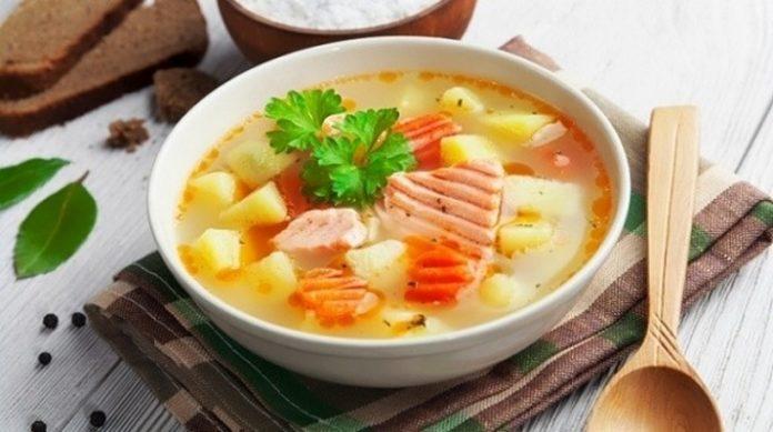 Самая вкусная уха из лосося: отличное блюдо на обед