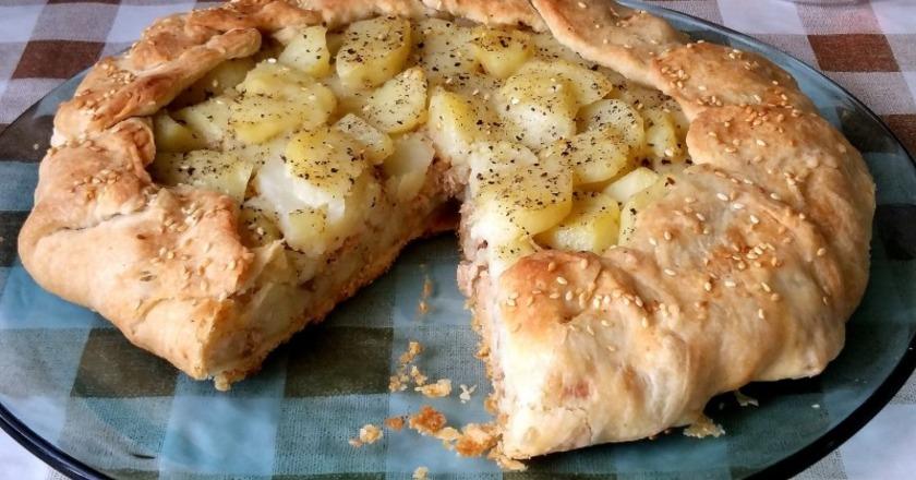 Аппетитный пирог с картофелем и сыром