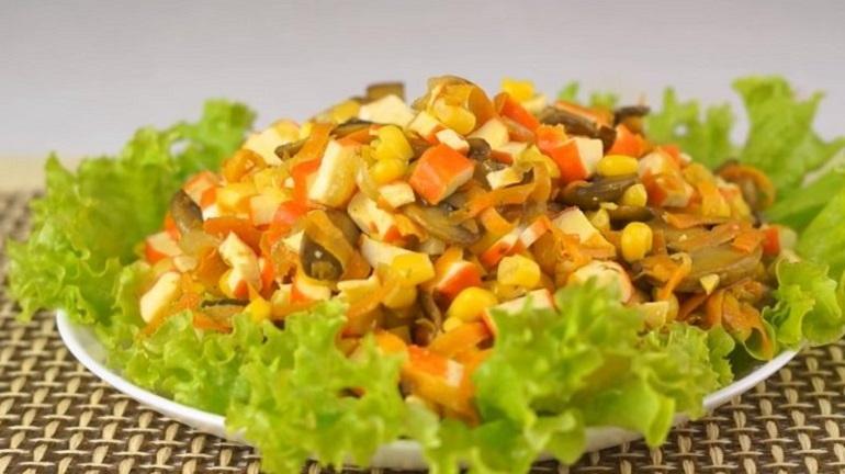 ТОП-5: легкие салаты на каждый день – интересные рецепты