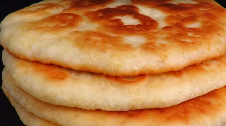 Вкусные лепешки на кефире: вместо хлеба к любому блюду