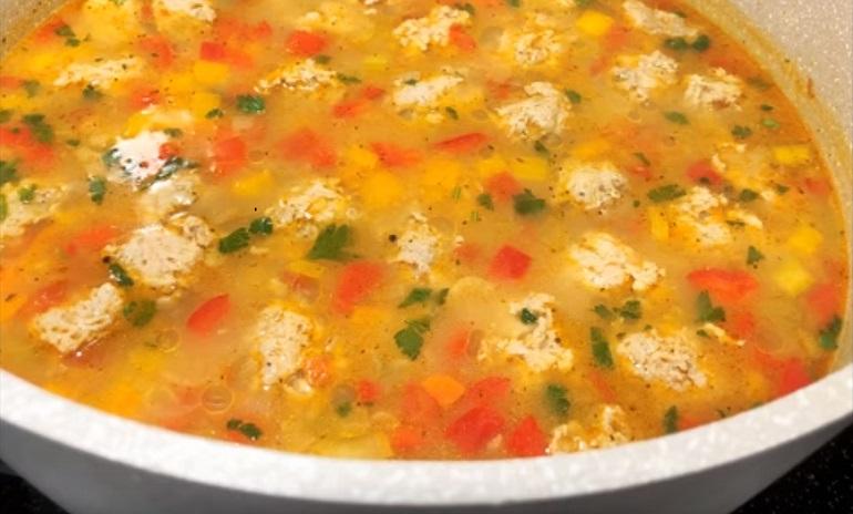 Вкусный суп с фрикадельками за 20 минут: когда нет времени