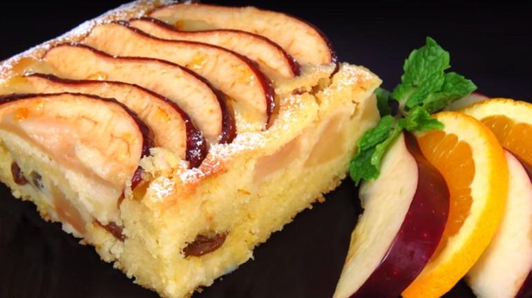 Воздушный яблочный пирог: выпечка по мотивам «Шарлотки»