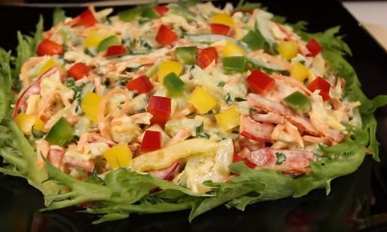 Яркий салат «Мозаика»: настоящая находка для любой хозяйки