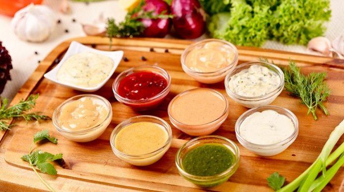 Самые вкусные соусы для салатов: все в одном месте