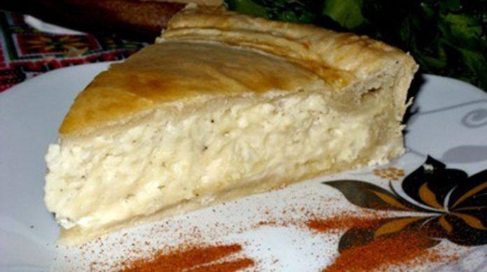 Пирог с плавленым сырком: нежная закуска на скорую руку