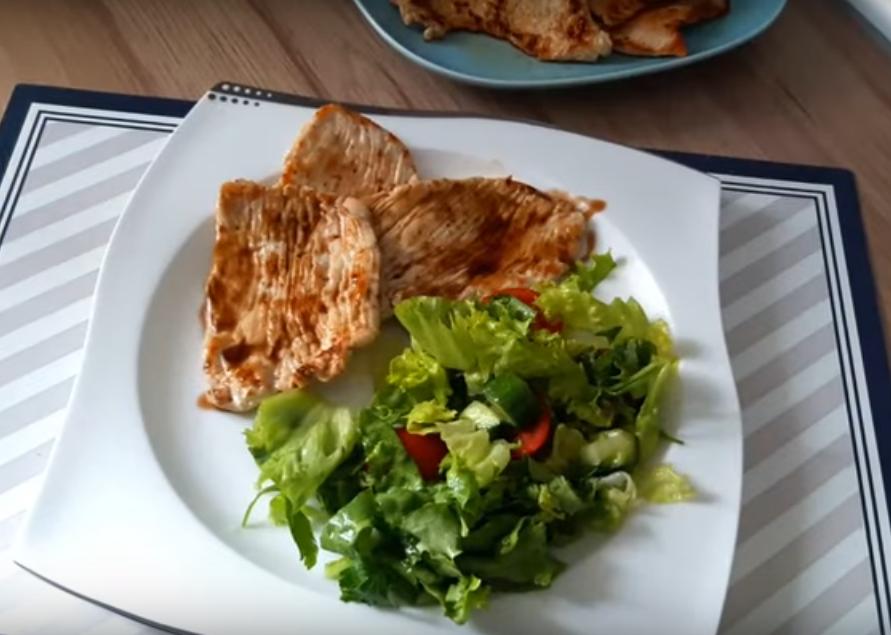 Ужин за 5 минут: готовим вкусно куриную грудку