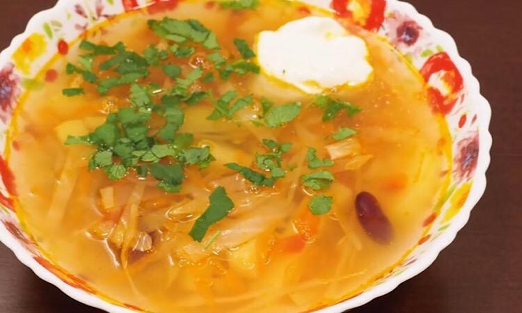 Готовим в мультиварке: аппетитный овощной суп без мяса