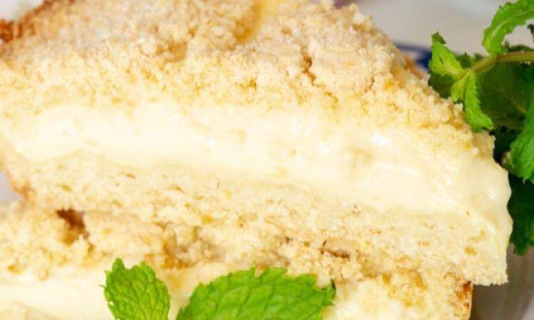 Пирог-крошка с заварным кремом