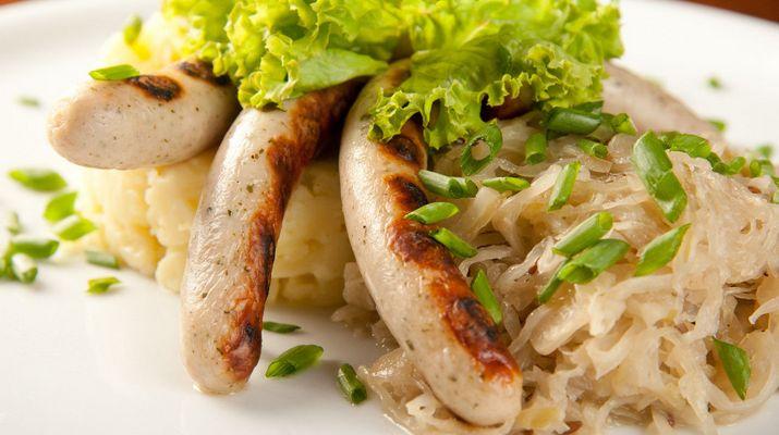 Домашние колбаски гриль: любимое мясное блюдо