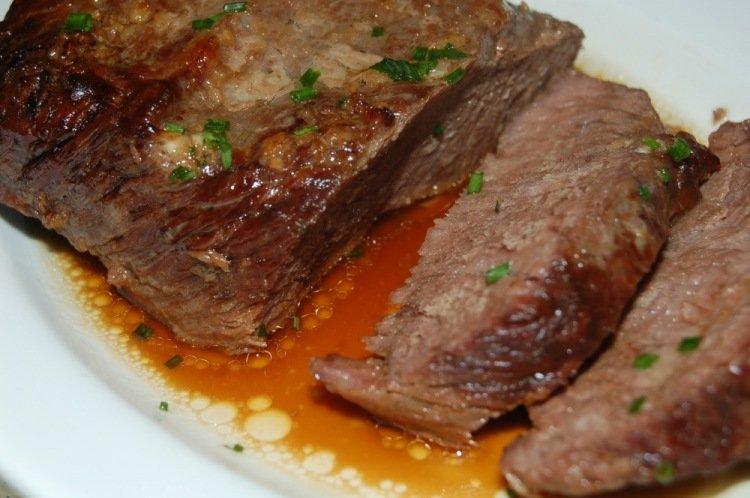 Нежная говядина в духовке: готовим на Пасху