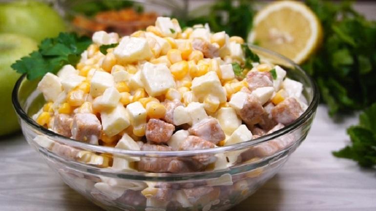 Салат «Три минутки»: из трех ингредиентов, с потрясающим вкусом